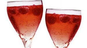 cocktail-de-champagne-y-frutos-rojos