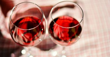 wine-glasses-2403116_1920